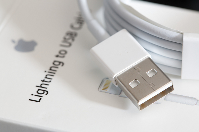 JUAL ORIGINAL Apple Lightning USB KABEL DATA iPhone 5, 5S, 5C, iPad 4