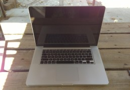 JUAL Second MACBOOK Pro 15 inch CORE i7 VGA 1GB Garansi Mulus