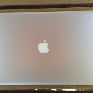 "JUAL Second MACBOOK Pro 15"" CORE i7 VGA 1GB Garansi Mulus"